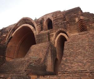 Pya Tha Da's modern arches